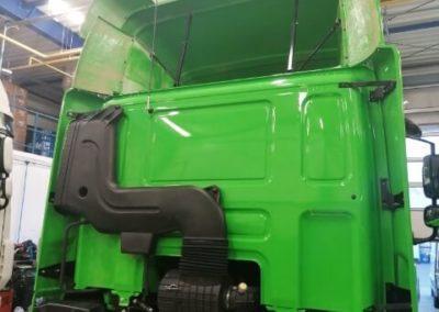 spoiler ciężarówka zielony